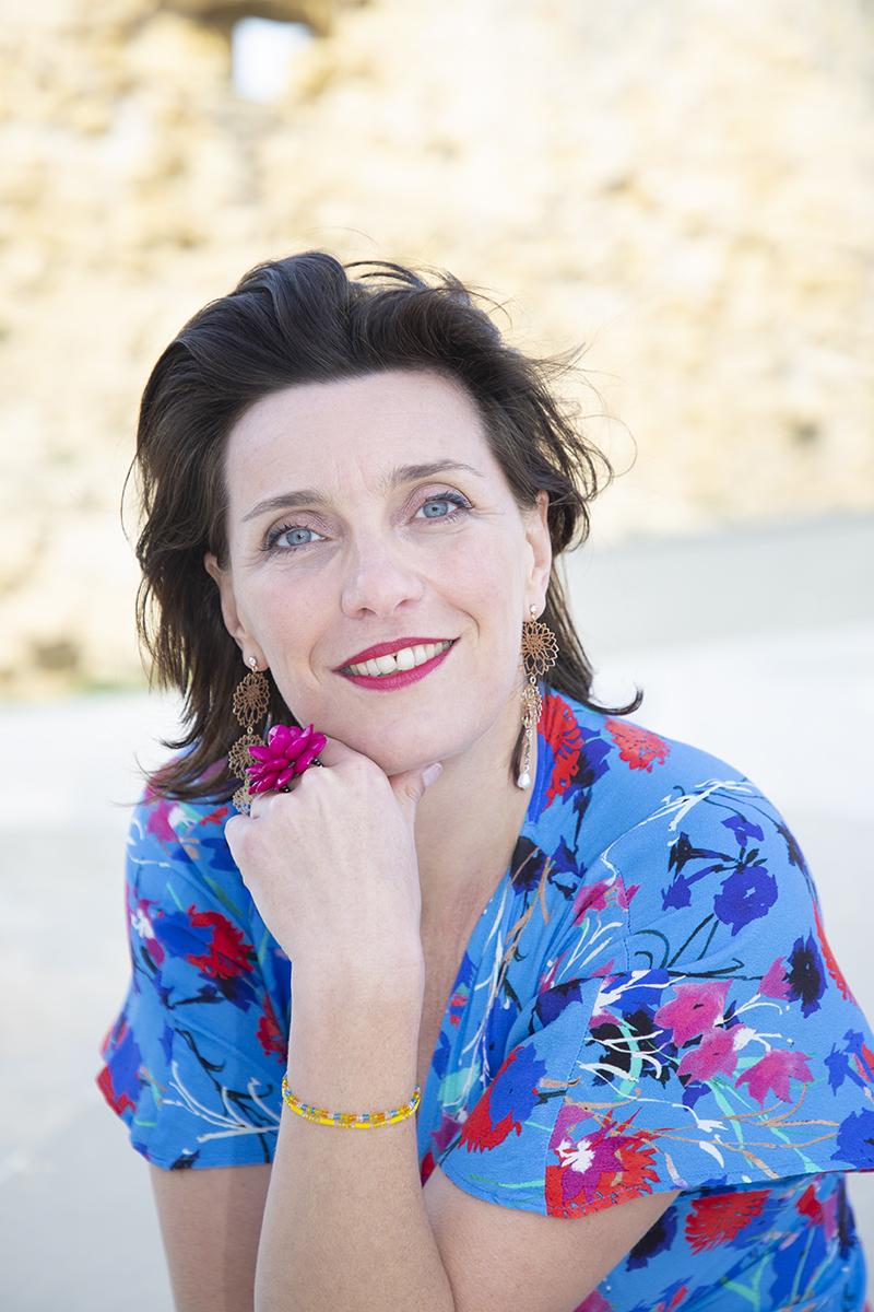 Angéline danel, sofróloga, violinista y cantante lírica profesional